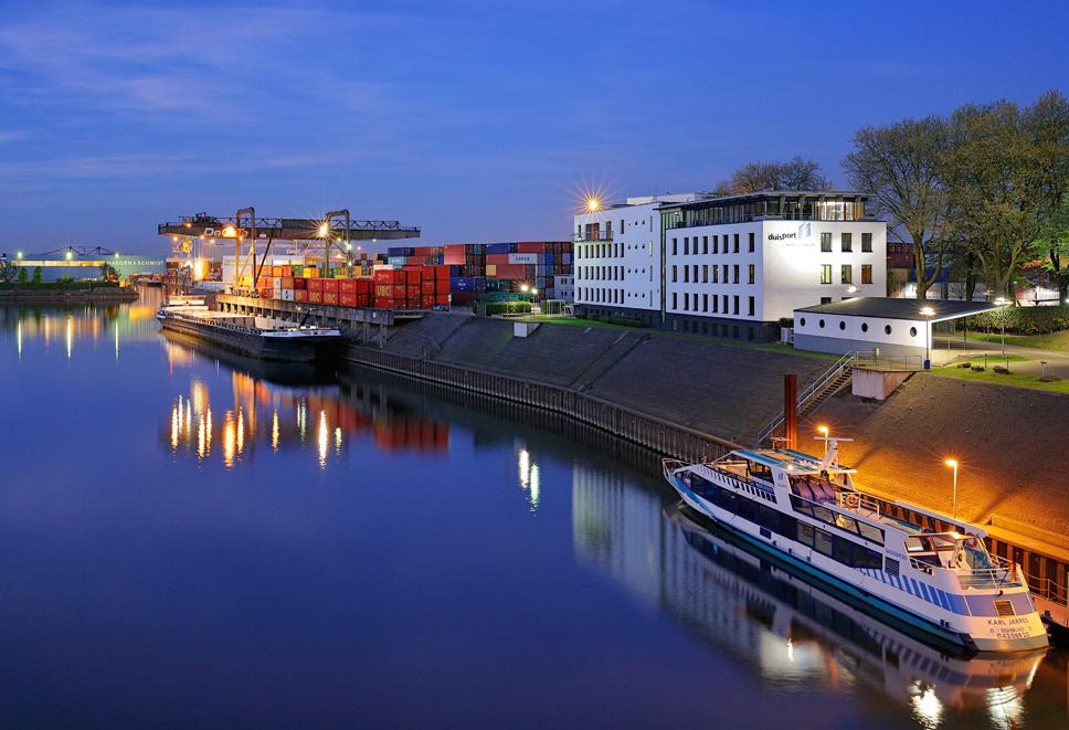 Hafen in Duisburg mit duisport