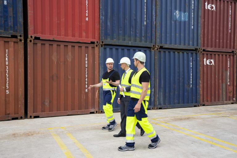 Hafenbehörde im Hafen Duisburg zur Sicherheit durch duisport