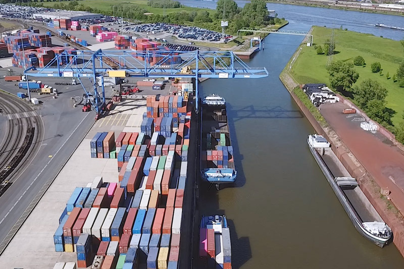 logport I Containerumschlag<br>(Schnittmaterial)